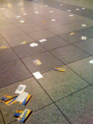 Metrodeck - Cards on ground